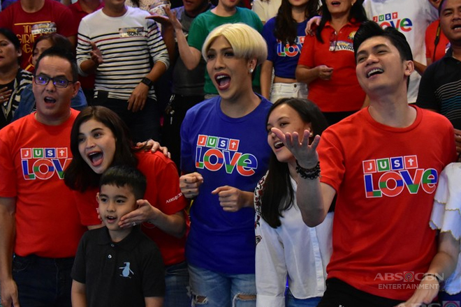 ABS-CBN Christmas SID 2017: Just Love Ngayong Christmas with It's Showtime family