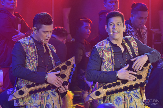 Gary Valenciano shows off skills in zendrum on It's Showtime