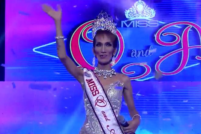 Miss Q & A: Odessa Jones, nanatiling reigning queen sa kanyang ikalawang araw