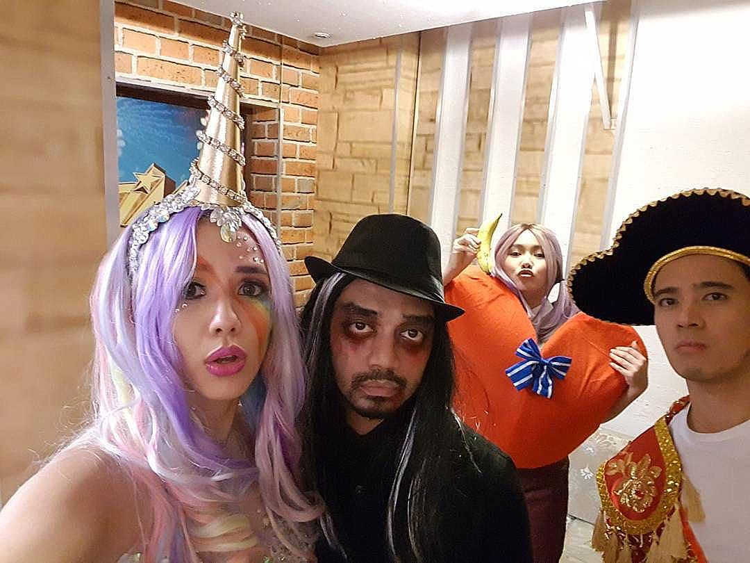 IN PHOTOS: It's Showtime Family in spookiest Halloween costumes