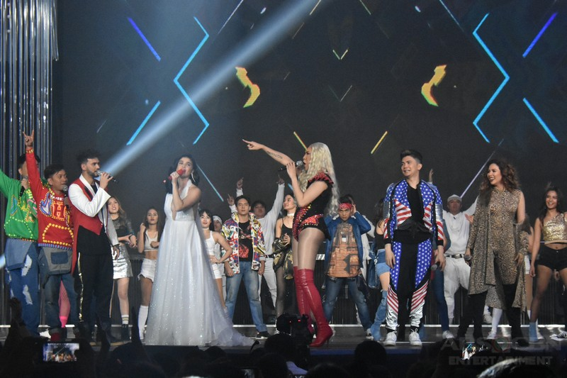 PHOTOS: It's Showtime Family brings back the 90s hits at the Just Love: The ABS-CBN Christmas Special
