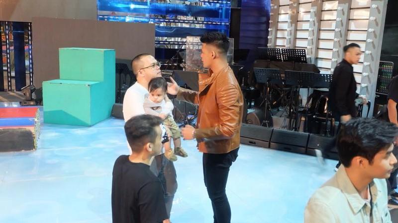 LOOK: Jon Lucas reunites with Hashtags to meet baby Brycen