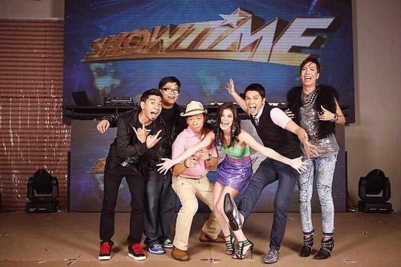 Balikan ang ilan sa mga throwback photos ng It's Showtime family