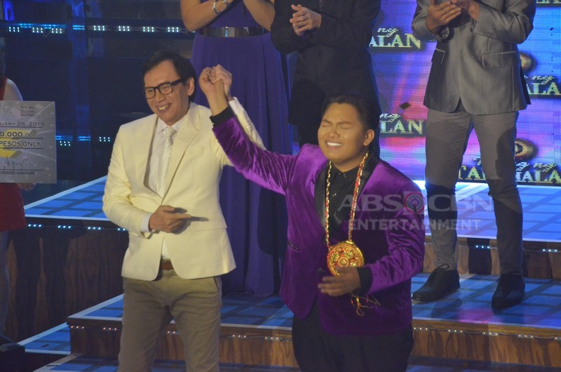 PHOTOS: John Michael at John Mark, pinangalanang pinakabagong grand finalists ng Tawag Ng Tanghalan 3