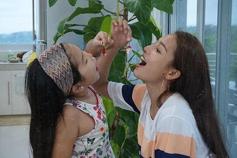 Baby no more! Mga litrato ni former Girltrend Miho kasama ang kanyang unica hija!