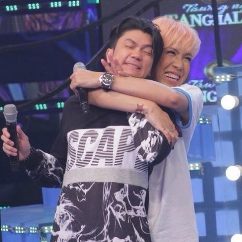 OFF CAM photos nina Vice, Jhong at Vhong na magpapakita kung gaano sila ka-supportive sa isa't isa