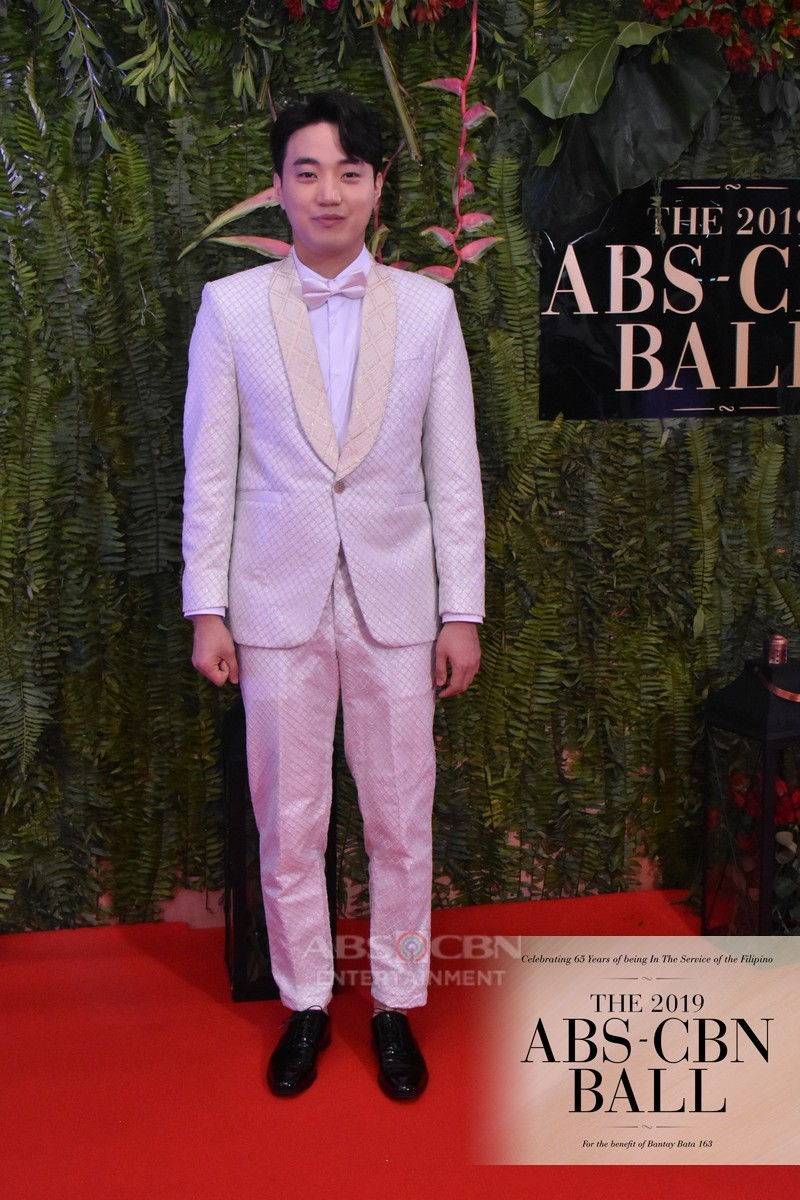 ABS-CBN Ball 2019: It's Showtime hosts leave us breathless with awesome looks on Red Carpet