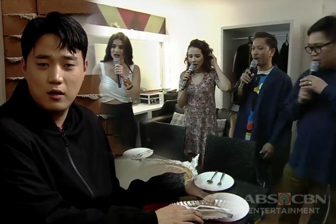 It's Showtime Family, nagulat nang maabutan si Ryan Bang na mag-isa sa loob ng dressing room