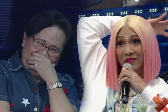 It's Showtime: Mommy Rosario, natawa sa mga kwento ng anak na si Vice Ganda